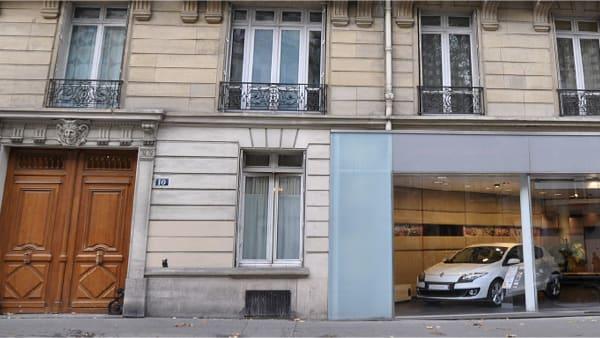 L'entrée du cabinet d'osthéopathie SMO, au 10 Bd Raspail (Paris 7).